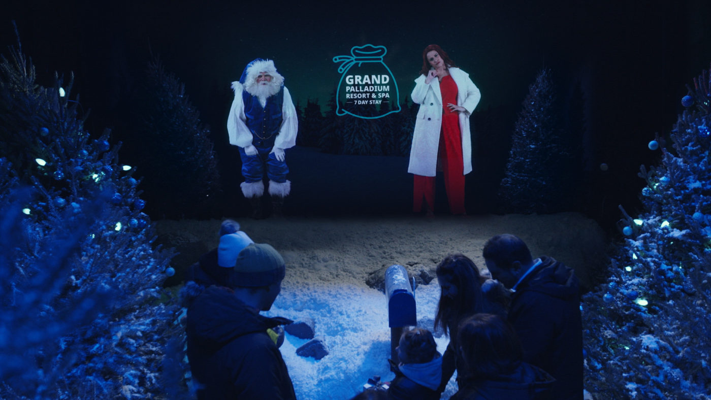 "WestJet's 2019 Christmas ""Miracle"" Highlights Real Acts of Giving And Receiving"