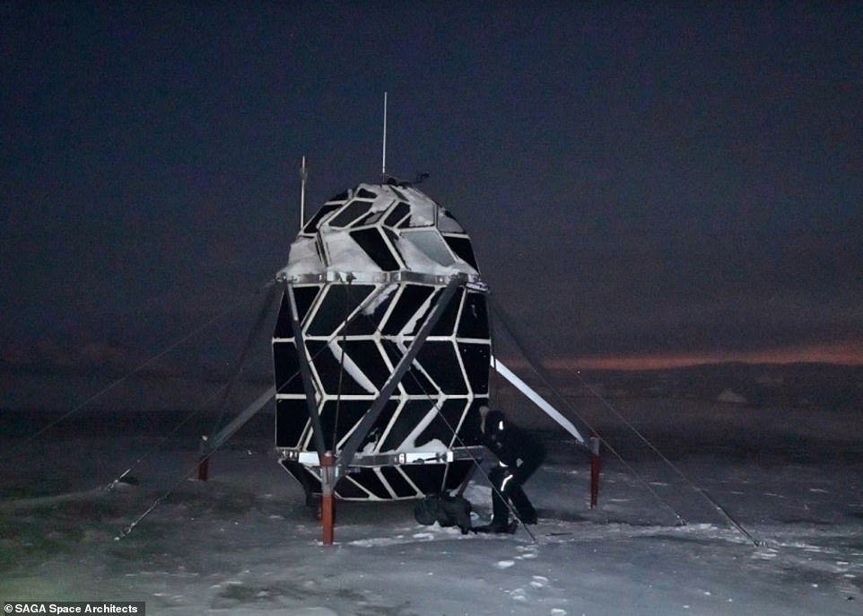 """Origami-Inspired """"Lunark"""" Aims To Provide A Comfortable Abode For Space Travelers"""